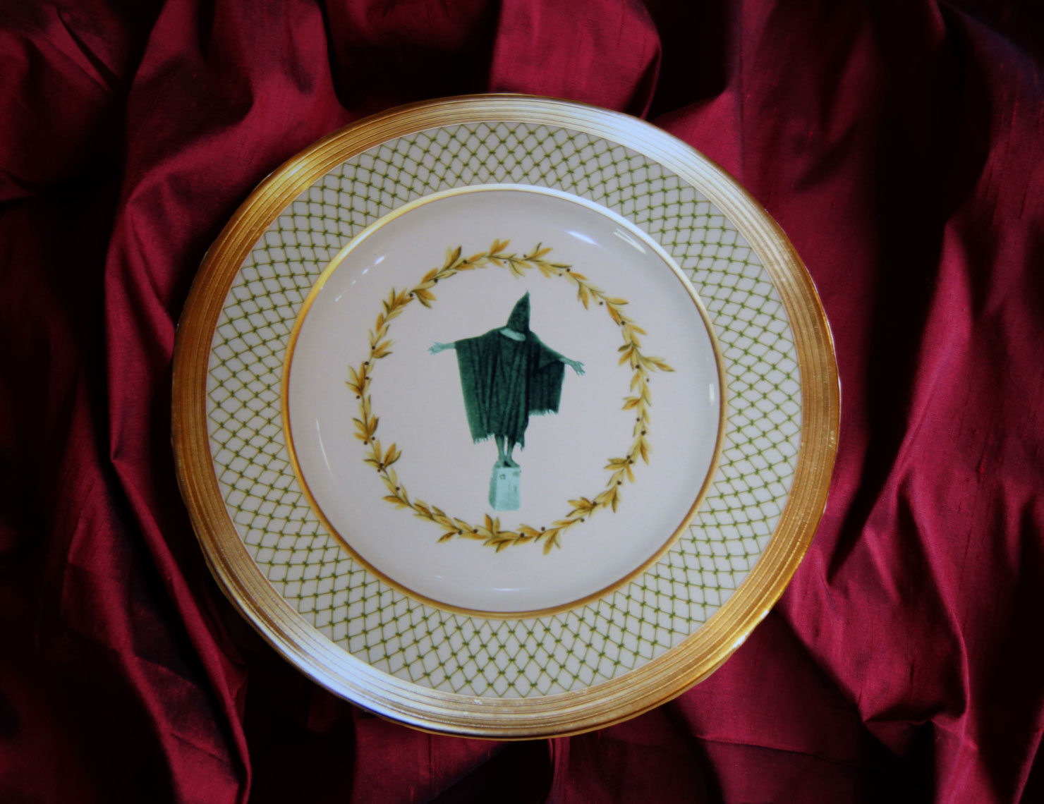 web-new-2Abu-Graib-GW-Bush-Dinner-Plate